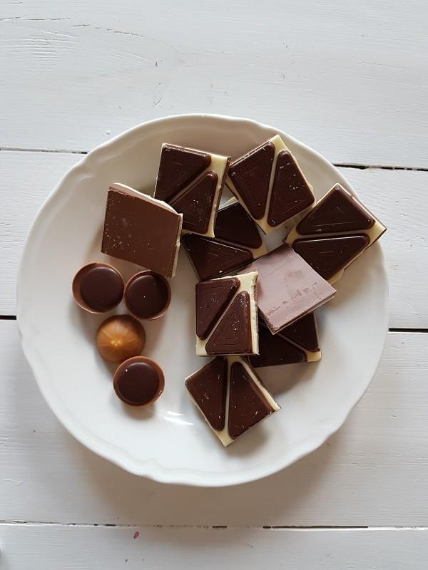 Dlaczego sięgamy po słodycze?