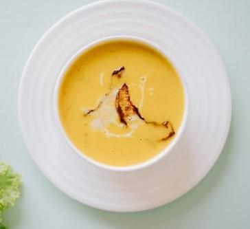 Rozgrzewająca zupa z dyni/ 45 min